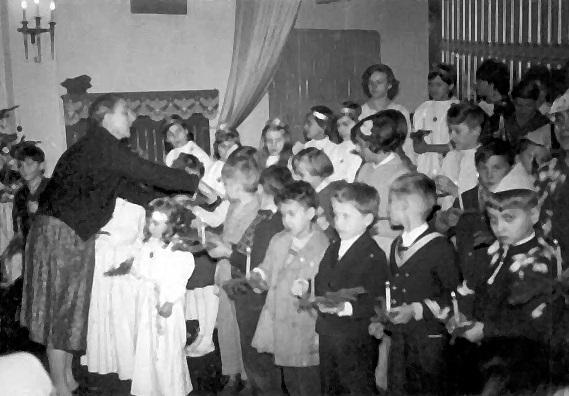 1954-től, majd húsz esztendőn át szolgált a rózsatéri gyülekezetben a gyerekek között