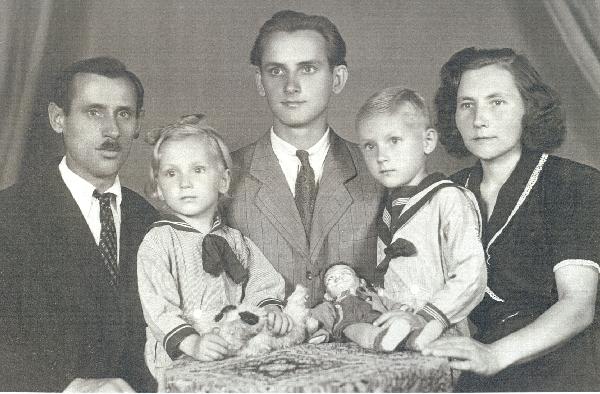 Michna Ferenc és családja 1947 körül-kicsi