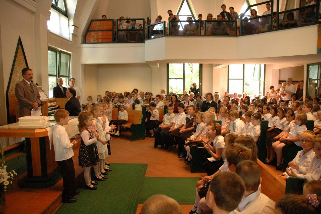 Karácsony Sándor Iskola és Óvoda ünnepi, évnyitó istentisztelet 2016